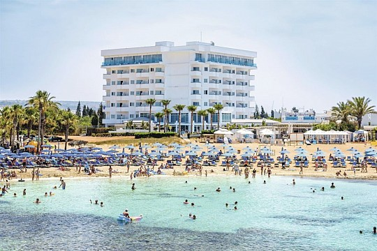 Tasia Maris Sands Beach hotel